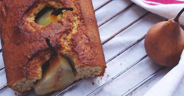 Cake aux poires pochées et noisettes