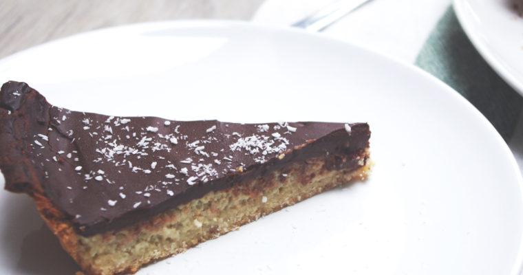 Tarte au chocolat et à la noix de coco, pâte sablée aux amandes